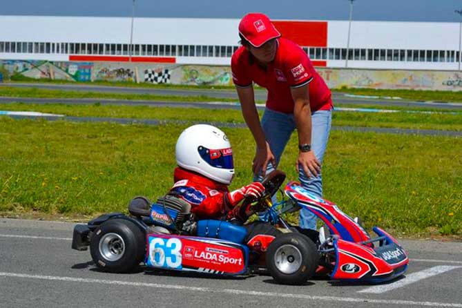 23-24-may-2015-lada-sport-karting-team-04