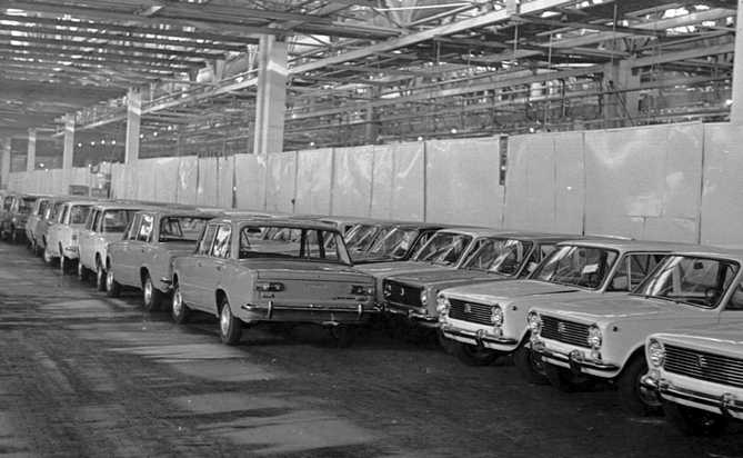 history-avtovaz-old-photo-46